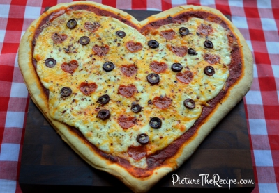 Valentiness-Day-Heart-Pizza-small